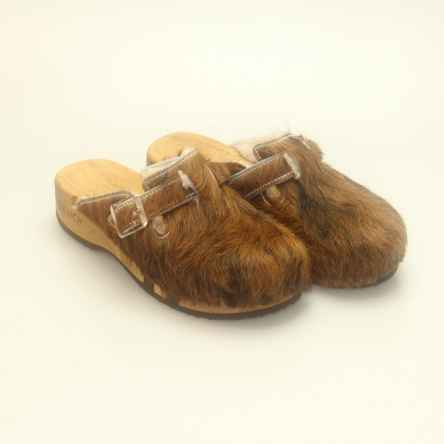 https://holzschuhe.at/en/shop/category/clogs-with-fur