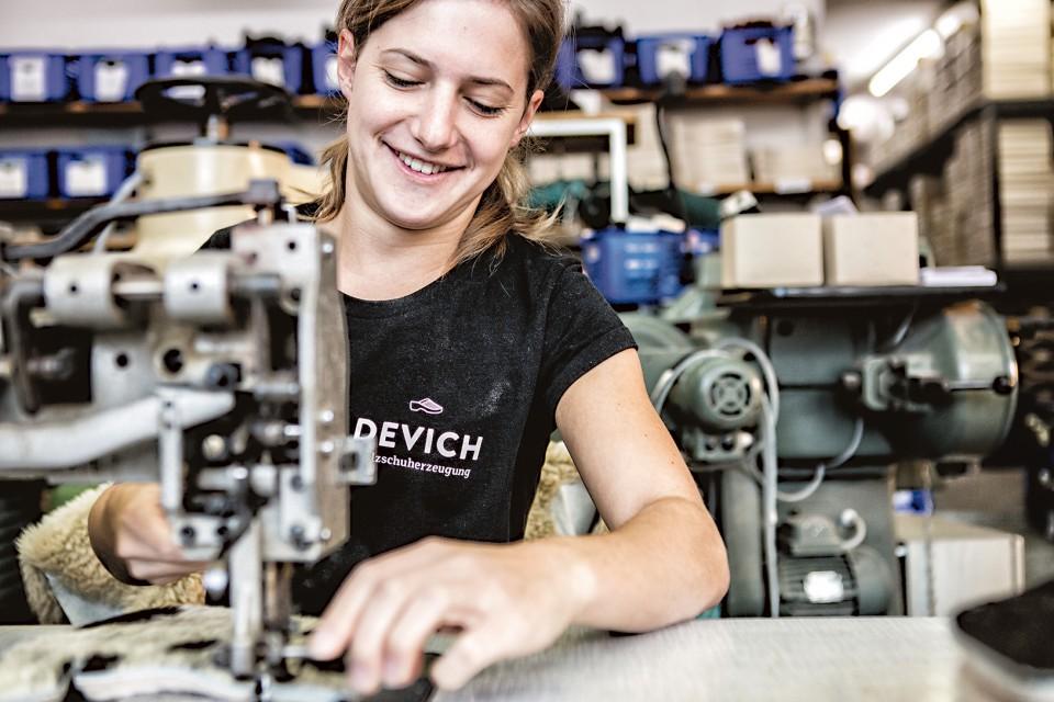 Devich Team